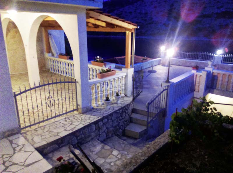 Boats in Vinisce harbor - Apartment for rent Dalmatia